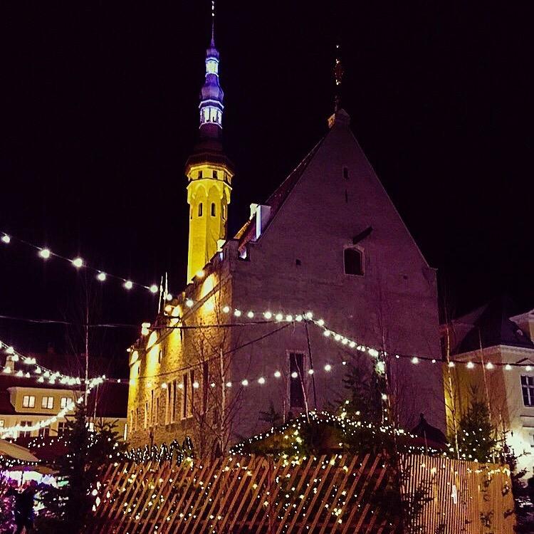 Gamlebyen i Tallinn i Desember, et lite eventyr tilbake i tid.